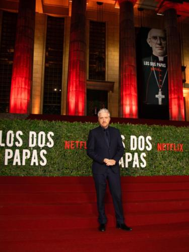 Los Dos Papas Red Carpet 4